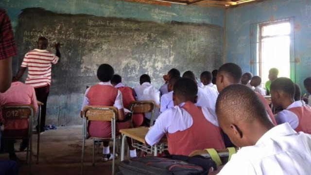 50,000 teachers fight for just 1,000 teaching vacancies in Lagos