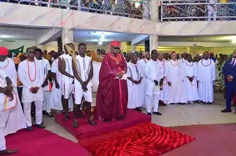 Oba of Benin goes the Christian way
