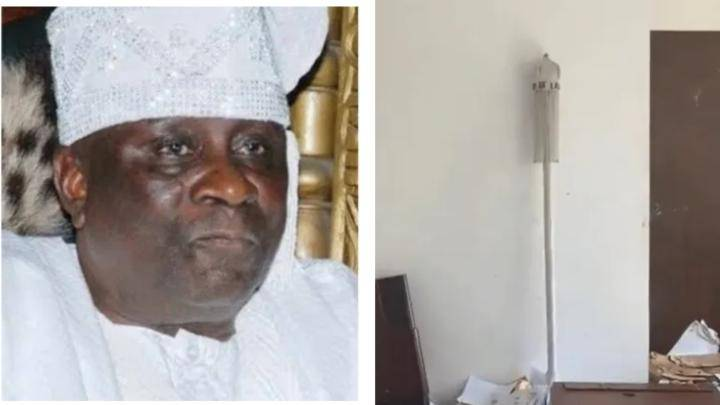After curses placed on the staff of Oba, angry protesters return stolen staff of Oba – Photo