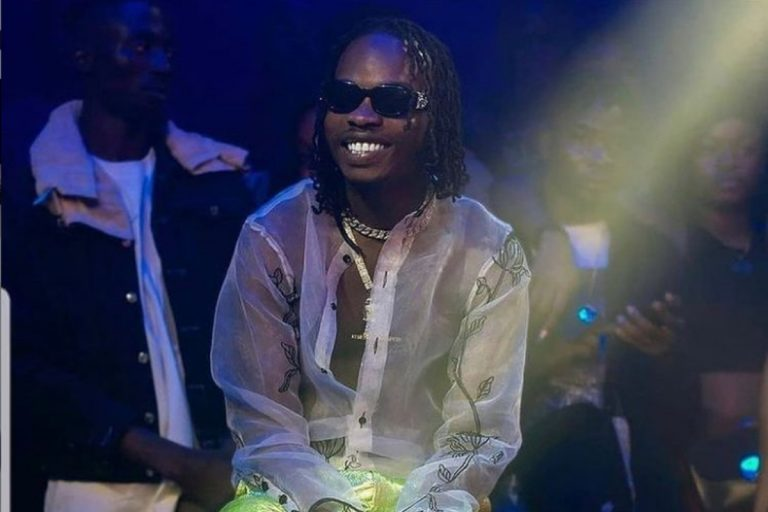 'Mofe mu oyon' – Naira Marley says in latest promiscuous post