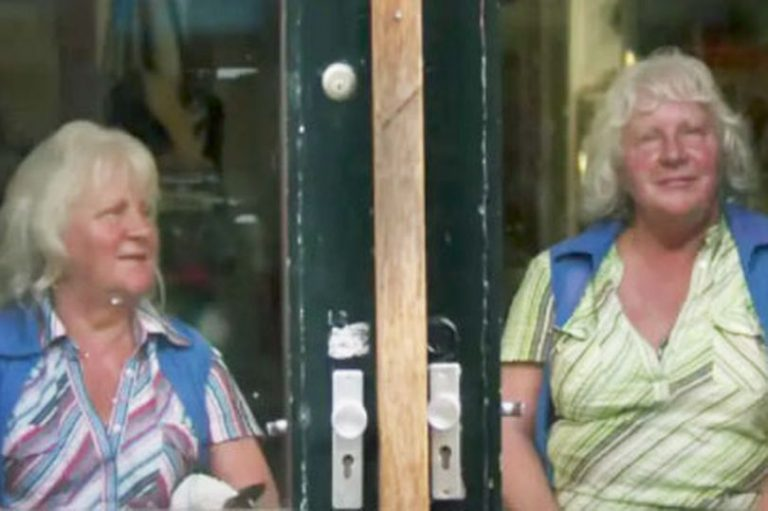"""Amsterdam's Oldest Twin Sex Workers Who Have Serviced """"Over 335,000 Men"""" (Photos)"""