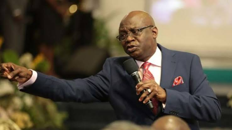 Watch The Moment Pastor Tunde Bakare Dared Buhari to Touch him and Declared 'Nigeria For Nigeria Movement' (Video)