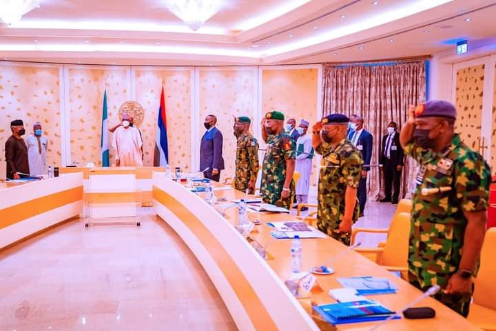 Nothing must stop Anambra governorship election – Buhari tells service chiefs